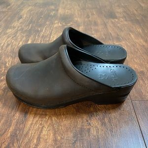 Dansko Brown Sonja Clogs Brand New Size 37